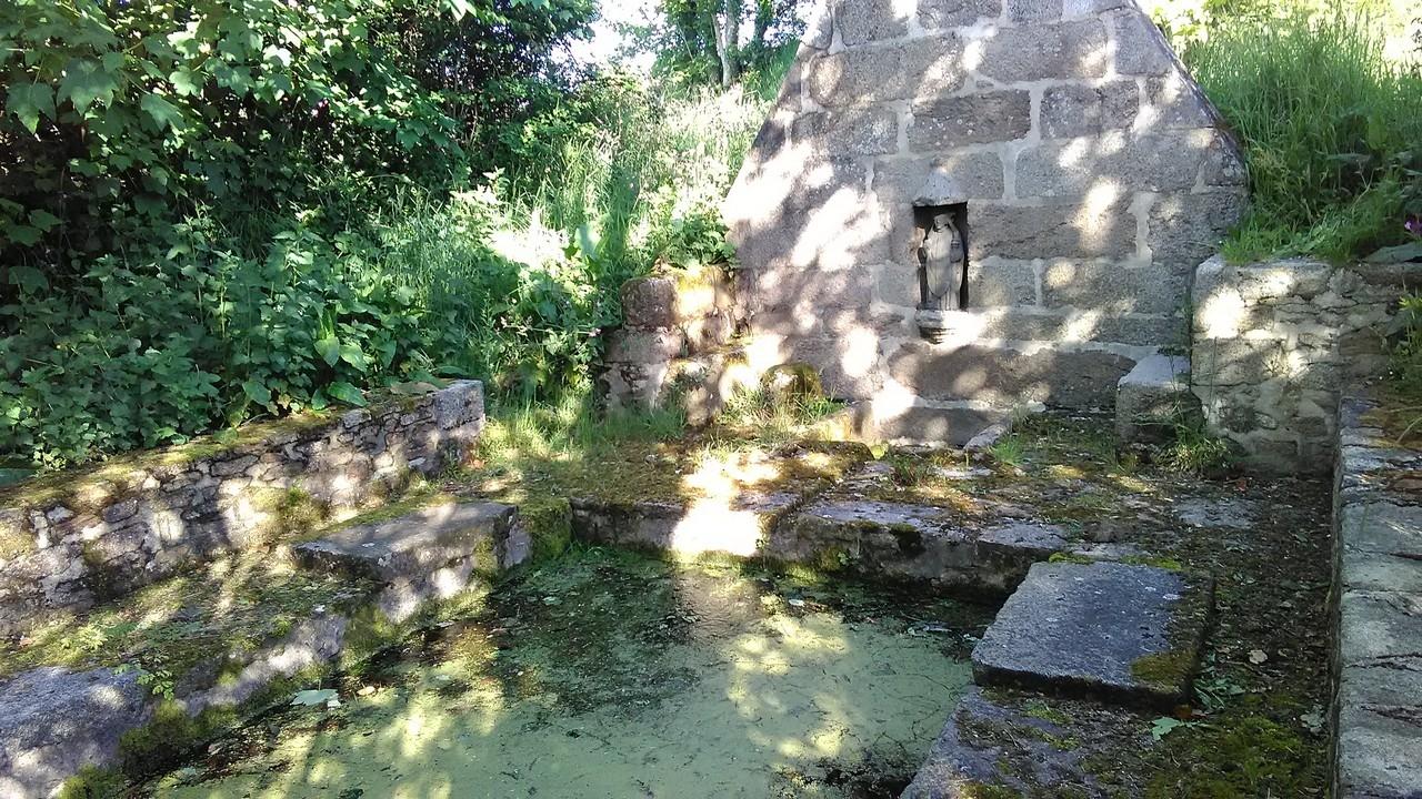 Fontaine - Lavoir Saint Gouesnou avant